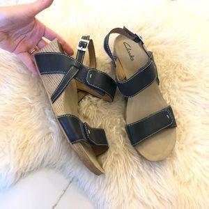 Clarks navy wedge sandal sz 8